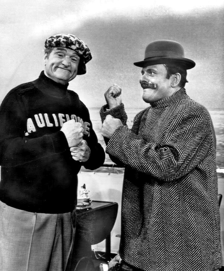 Cauliflower McPugg (Red Skelton) and Terry-Thomas in a sketch