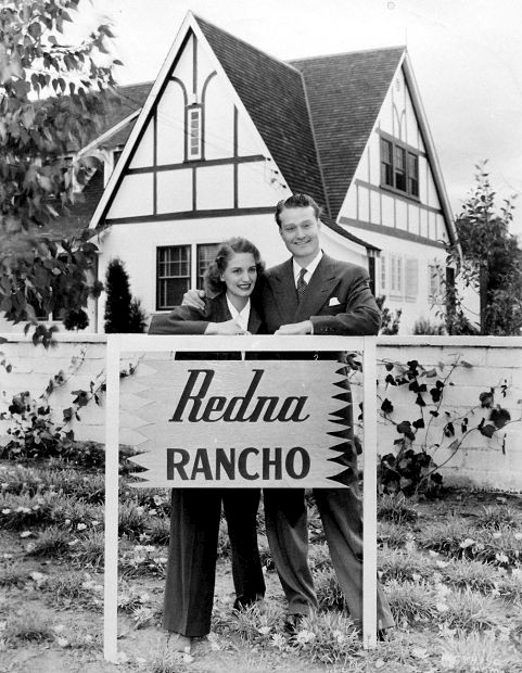Photo of Red and Edna Skelton at home in 1942.