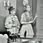 Harpo Marx makes Clara Appleby II (Dean Cannon)