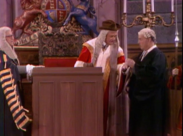 Stanley Holloway bribes Clem Kadiddlehopper by making him a member of Parliment - in Goofy Goofy Gander