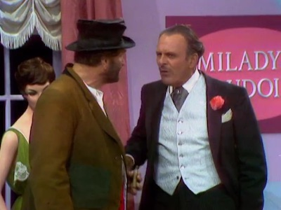 Freddie the Freeloader with Terry-Thomas and Nancy Wilson in Clothes Make the Bum