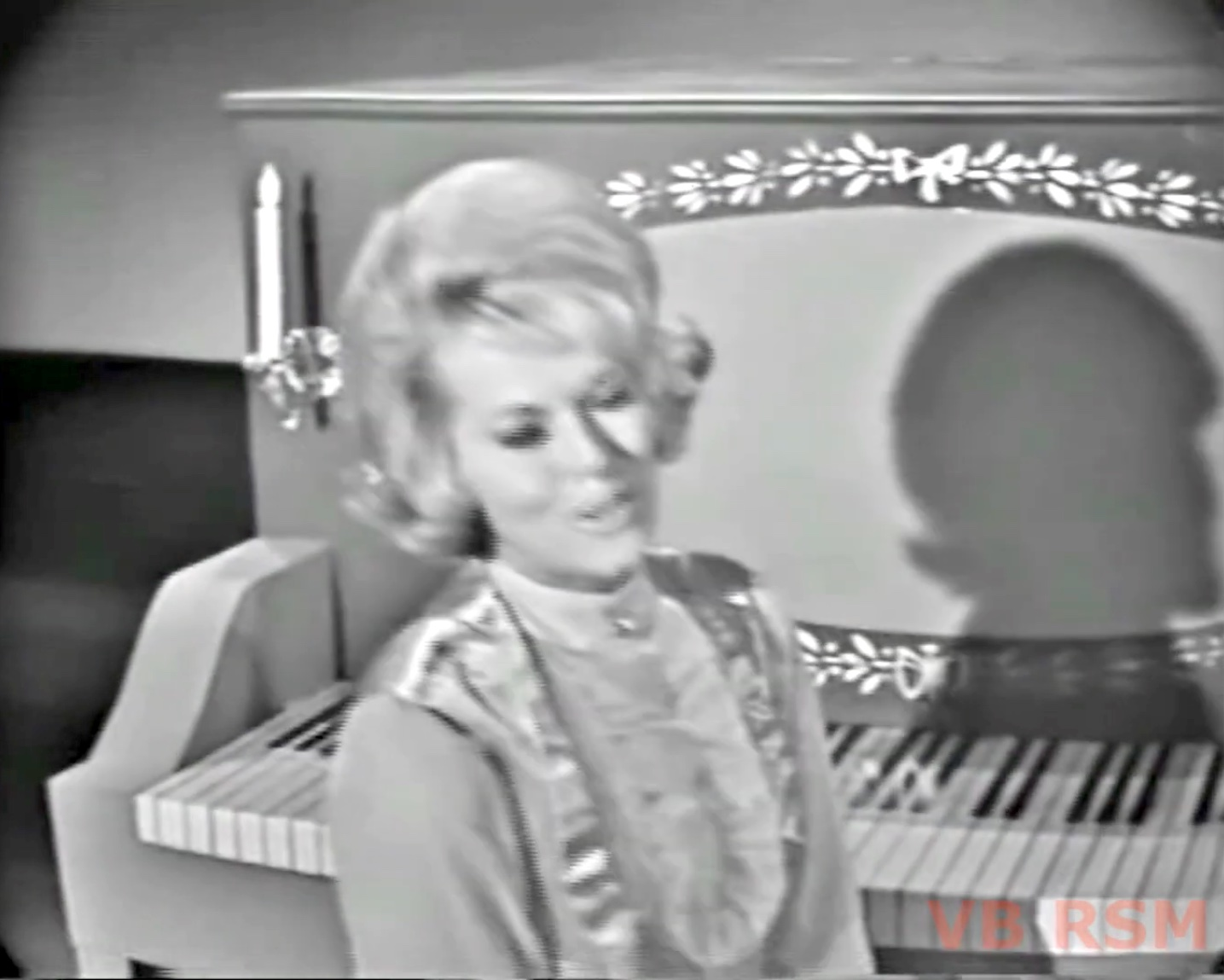 """Janis Paige singing """"Tea for Two"""""""