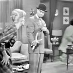 Harpo Marx leaves George Appleby to take the blame for Clara being shot with a slingshot