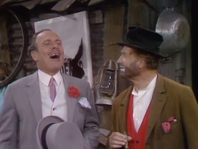 Terry-Thomas and Freddie the Freeloader in Not with My Dump You Don't