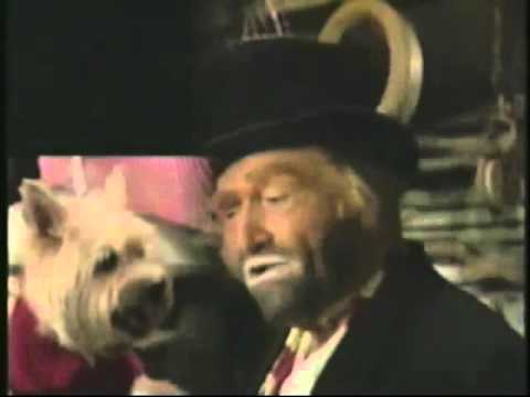 "Freddie the Freeloader (Red Skelton) singing ""There's Nothing Worse than Loneliness at Christmastime"""
